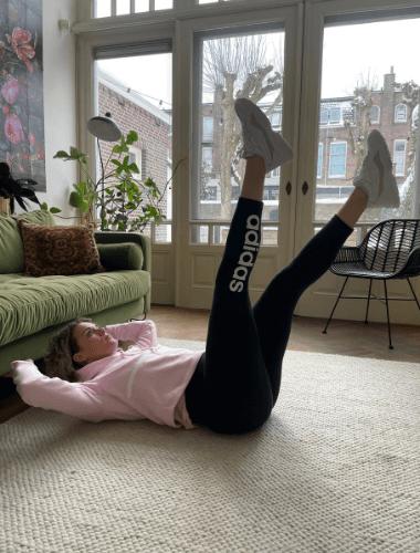 flutter kicks home workout